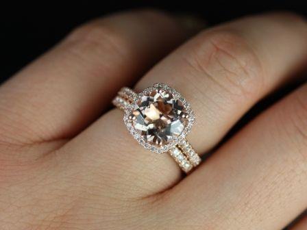 https://www.loveandpromisejewelers.com/media/catalog/product/cache/feefdef027ccf0d59dd1fef51db0610e/p/r/princess_size_barra_morganite_rose_gold_wedding_set_3_.jpg