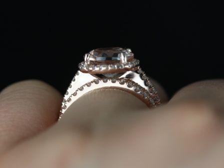 https://www.loveandpromisejewelers.com/media/catalog/product/cache/feefdef027ccf0d59dd1fef51db0610e/p/r/princess_size_barra_morganite_rose_gold_wedding_set_4_.jpg
