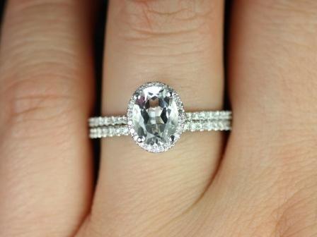 https://www.loveandpromisejewelers.com/media/catalog/product/cache/feefdef027ccf0d59dd1fef51db0610e/r/e/rebecca_white_topaz_diamond_wedding_set_3_.jpg