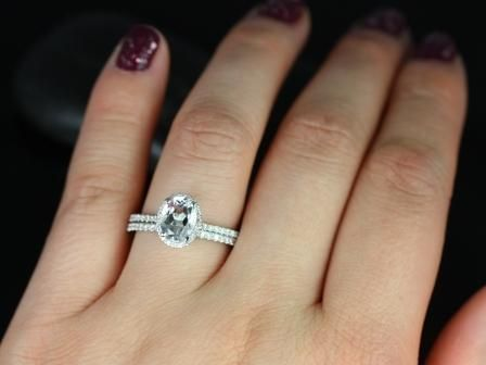 https://www.loveandpromisejewelers.com/media/catalog/product/cache/feefdef027ccf0d59dd1fef51db0610e/r/e/rebecca_white_topaz_diamond_wedding_set_4_.jpg