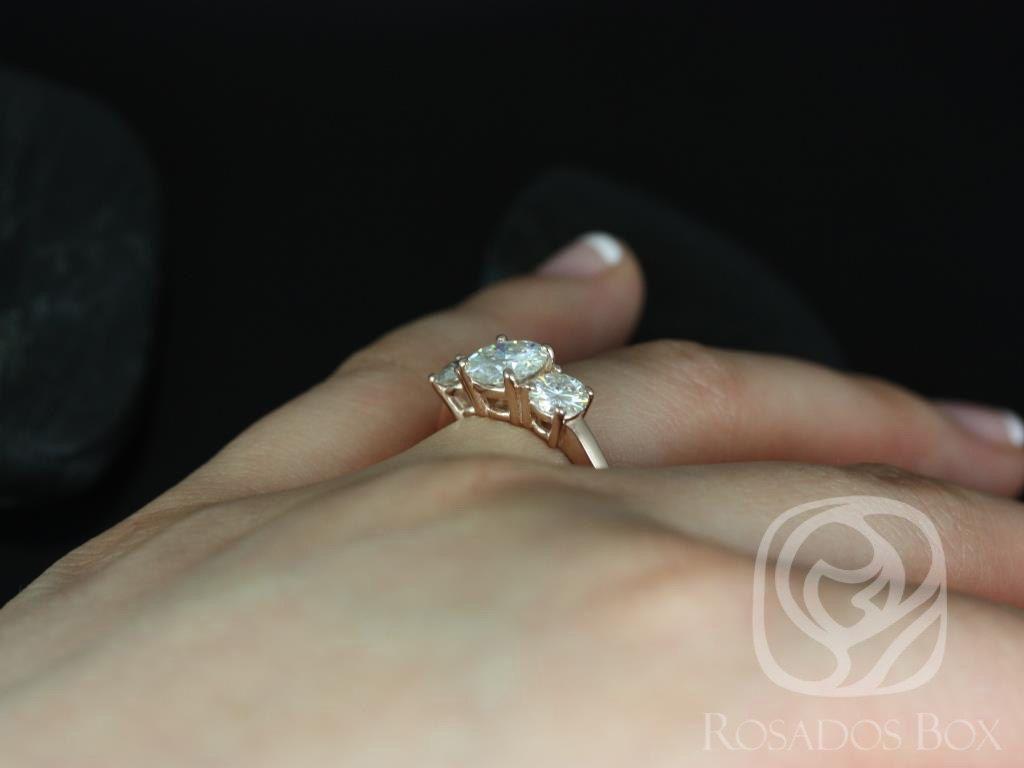 https://www.loveandpromisejewelers.com/media/catalog/product/cache/feefdef027ccf0d59dd1fef51db0610e/r/o/robyn_5_1_1.jpg