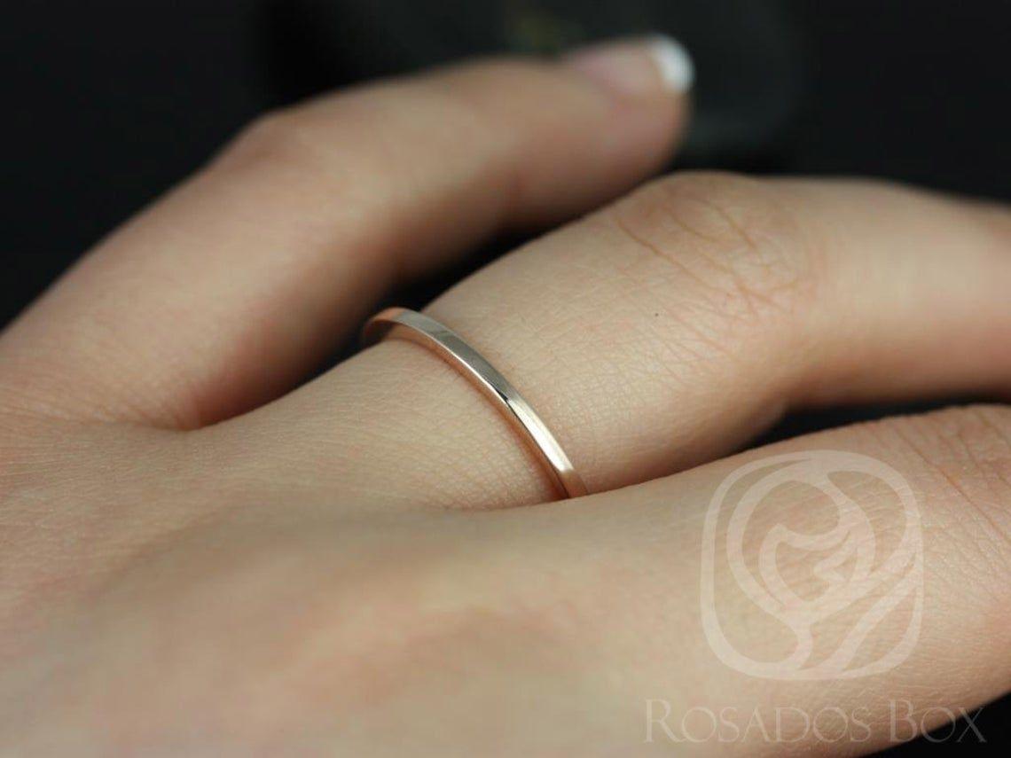 https://www.loveandpromisejewelers.com/media/catalog/product/cache/feefdef027ccf0d59dd1fef51db0610e/r/o/romani_4_2.jpg