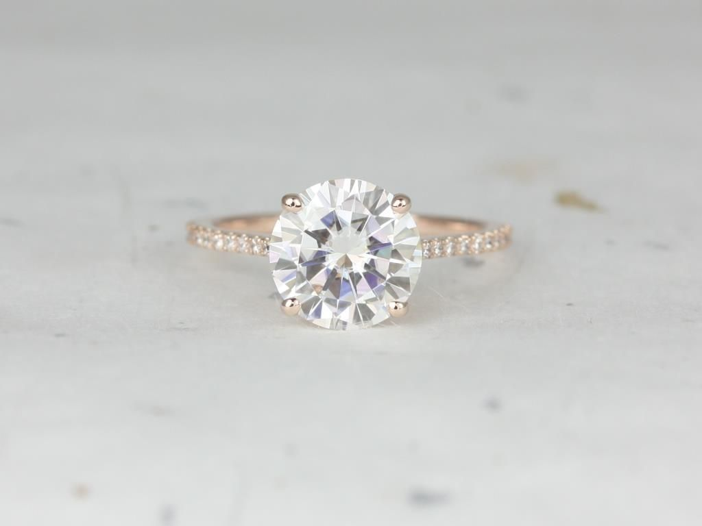 https://www.loveandpromisejewelers.com/media/catalog/product/cache/feefdef027ccf0d59dd1fef51db0610e/r/o/rosados_box_eloise_9mm_14kt_rose_gold_round_forever_one_moissanite_diamonds_cathedral_engagement_ring_2_.jpg
