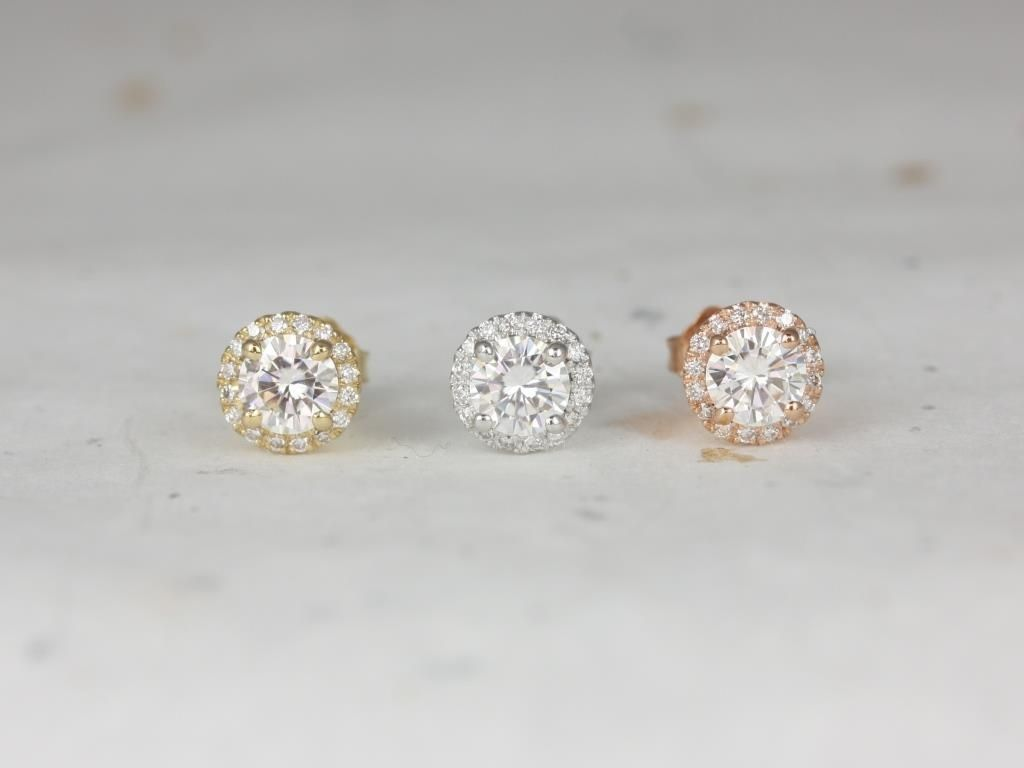 https://www.loveandpromisejewelers.com/media/catalog/product/cache/feefdef027ccf0d59dd1fef51db0610e/r/o/rosados_box_gemma_5mm_14kt_yellow_gold_round_f1-_moissanite_and_diamonds_halo_stud_earrings_3__1.jpg