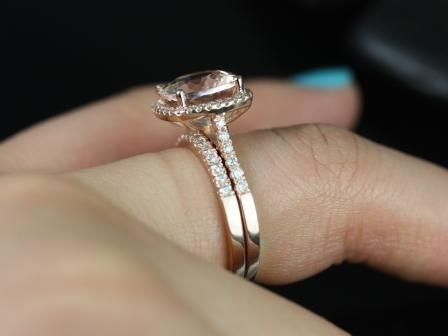 https://www.loveandpromisejewelers.com/media/catalog/product/cache/feefdef027ccf0d59dd1fef51db0610e/s/a/samina_queen_size_morganite_diamond_wedding_set_1_.jpg