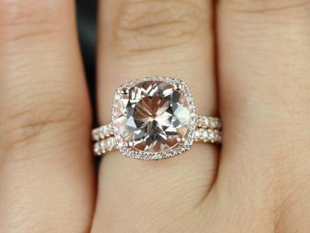 https://www.loveandpromisejewelers.com/media/catalog/product/cache/feefdef027ccf0d59dd1fef51db0610e/s/a/samina_queen_size_morganite_diamond_wedding_set_3_.jpg