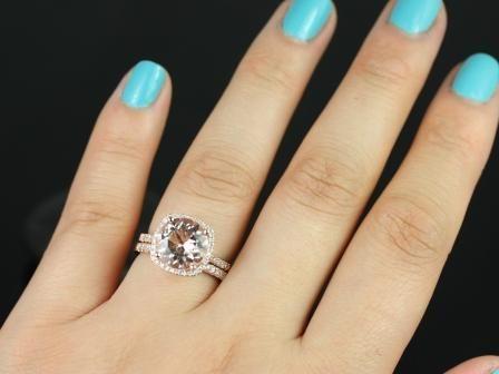 https://www.loveandpromisejewelers.com/media/catalog/product/cache/feefdef027ccf0d59dd1fef51db0610e/s/a/samina_queen_size_morganite_diamond_wedding_set_4_.jpg