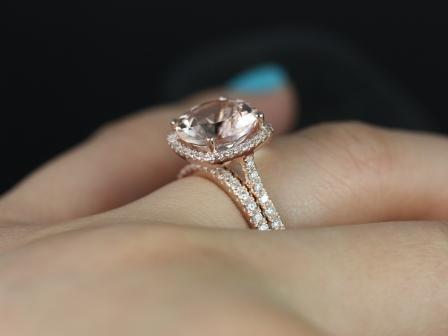 https://www.loveandpromisejewelers.com/media/catalog/product/cache/feefdef027ccf0d59dd1fef51db0610e/s/a/samina_queen_size_morganite_diamond_wedding_set_5_.jpg