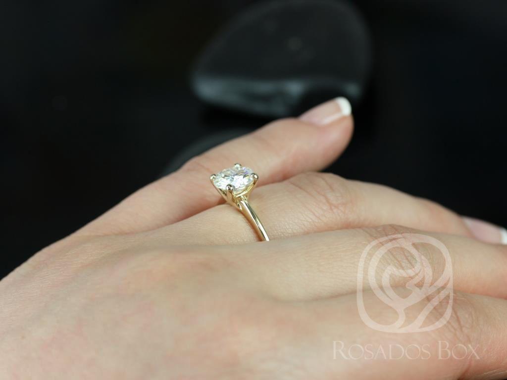 https://www.loveandpromisejewelers.com/media/catalog/product/cache/feefdef027ccf0d59dd1fef51db0610e/s/k/skinny_alberta_7.5mm_14kt_yellow_gold_round_fb_moissanite_tulip_solitaire_engagement_ring_1_.jpg