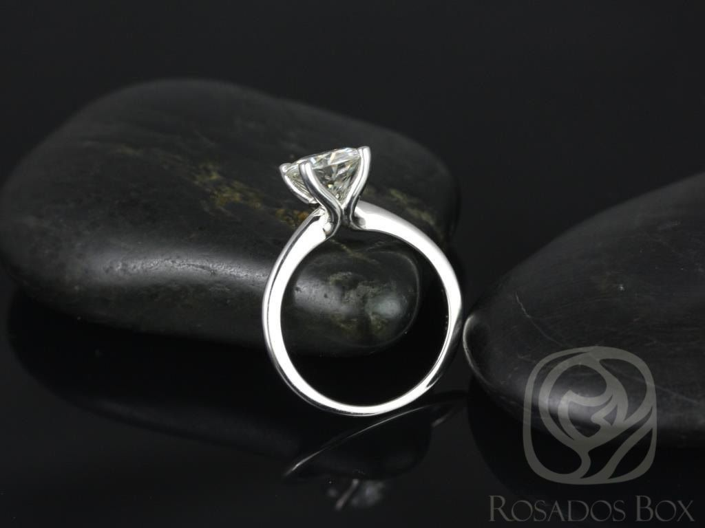 https://www.loveandpromisejewelers.com/media/catalog/product/cache/feefdef027ccf0d59dd1fef51db0610e/s/k/skinny_alberta_8mm_14kt_white_gold_round_fb_moissanite_tulip_solitaire_engagement_ring_other_metals_and_stone_options_available_2wm.jpg