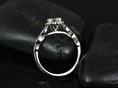 https://www.loveandpromisejewelers.com/media/catalog/product/cache/feefdef027ccf0d59dd1fef51db0610e/s/u/sunny_morganite_white_gold_engagement_ring_4_.jpg