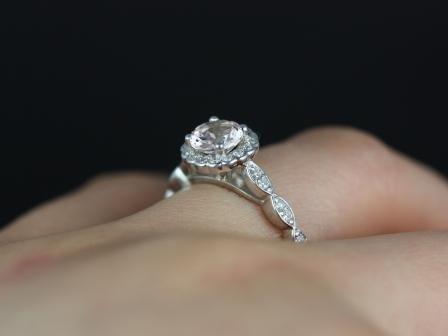 https://www.loveandpromisejewelers.com/media/catalog/product/cache/feefdef027ccf0d59dd1fef51db0610e/s/u/sunny_morganite_white_gold_engagement_ring_8_.jpg