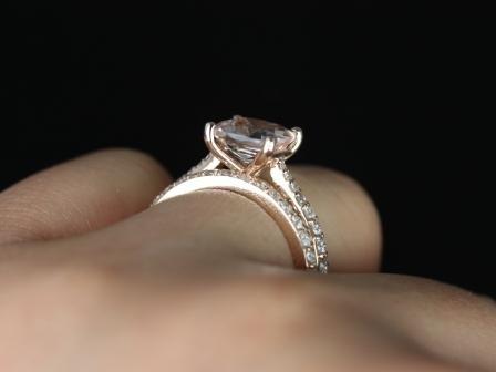 https://www.loveandpromisejewelers.com/media/catalog/product/cache/feefdef027ccf0d59dd1fef51db0610e/t/a/taylor_cushion_moganite_rose_gold_wedding_set_2_.jpg