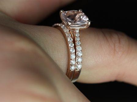 https://www.loveandpromisejewelers.com/media/catalog/product/cache/feefdef027ccf0d59dd1fef51db0610e/t/a/taylor_cushion_moganite_rose_gold_wedding_set_3_.jpg
