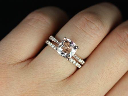 https://www.loveandpromisejewelers.com/media/catalog/product/cache/feefdef027ccf0d59dd1fef51db0610e/t/a/taylor_cushion_moganite_rose_gold_wedding_set_6_.jpg