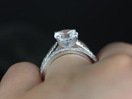 https://www.loveandpromisejewelers.com/media/catalog/product/cache/feefdef027ccf0d59dd1fef51db0610e/t/a/taylor_medio_size_round_white_topaz_wedding_set_3_.jpg
