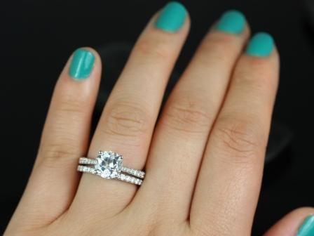 https://www.loveandpromisejewelers.com/media/catalog/product/cache/feefdef027ccf0d59dd1fef51db0610e/t/a/taylor_medio_size_round_white_topaz_wedding_set_5_.jpg
