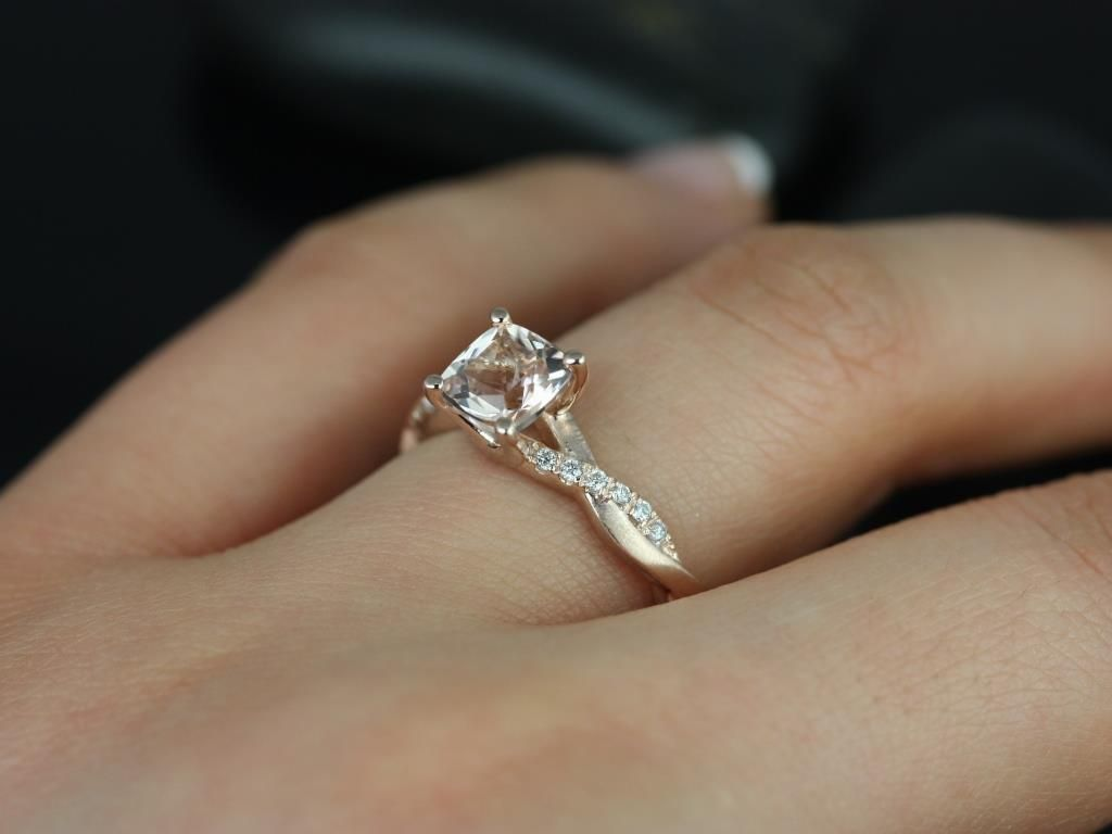 https://www.loveandpromisejewelers.com/media/catalog/product/cache/feefdef027ccf0d59dd1fef51db0610e/t/r/tressa_morganite_diamond_rose_gold_engagement_ring_2_.jpg