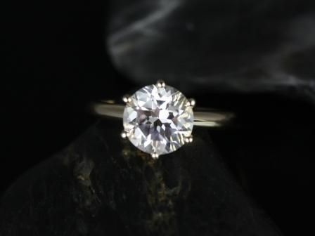 https://www.loveandpromisejewelers.com/media/catalog/product/cache/feefdef027ccf0d59dd1fef51db0610e/w/e/webster_grande_size_white_topaz_14kt_yellow_gold_1_.jpg