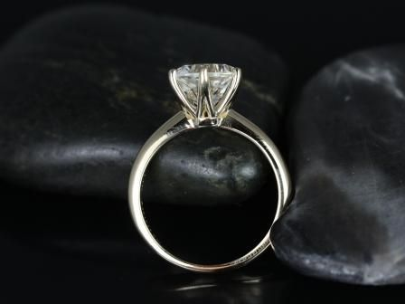 https://www.loveandpromisejewelers.com/media/catalog/product/cache/feefdef027ccf0d59dd1fef51db0610e/w/e/webster_grande_size_white_topaz_14kt_yellow_gold_2_.jpg